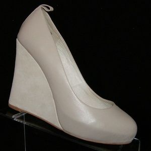 Jeffrey Campbell 'Nassau' taupe leather wedges 6M